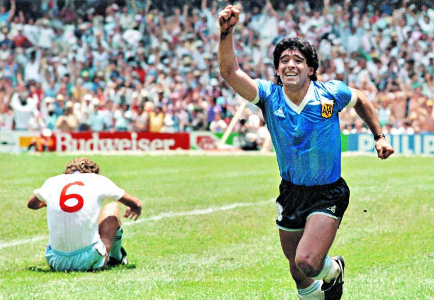 Maradona-Hand Gottes, and goal of the century
